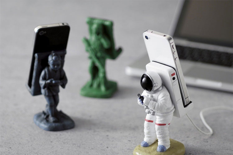 Motif iPhone Mount Astronauts Stand