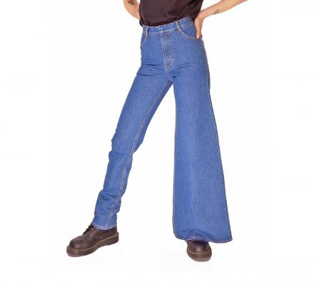 You Can Now Get Asymmetrical Jeans If You Can't Decide Between Skinny Jeans and Wide Leg Jeans