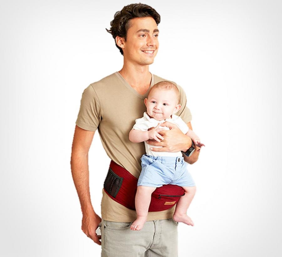 c977db5cf59 Baby Hip Carrier Lets You Rest Your Baby On Your Hip