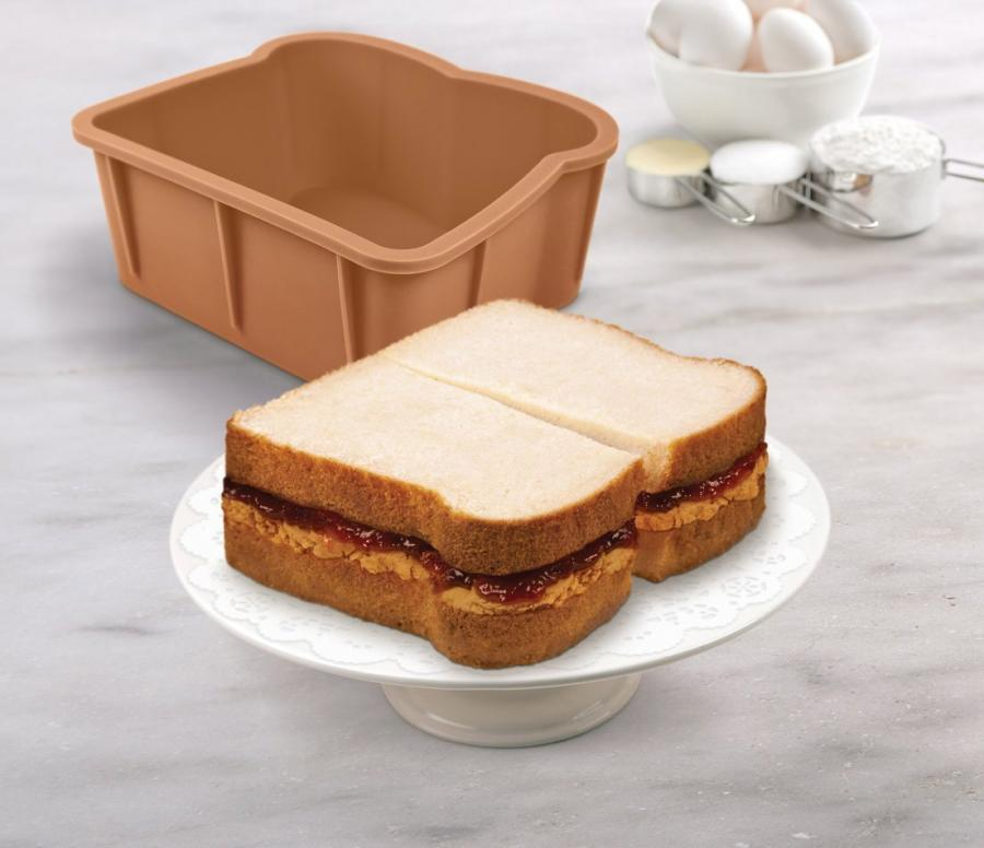The Cakewich Is A Small Cake Pan That Allows You To Make Mini Cakes In Shape Of Bread And An Incredibly Fun Unique Way
