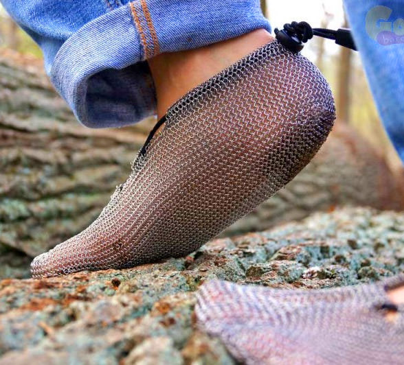 These Chainmail Shoes Give A More Natural Way To Run Hike