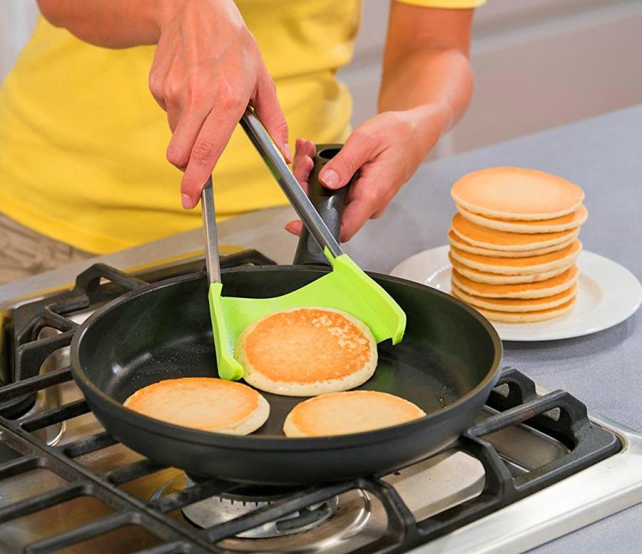 Cool Kitchen Items: Clever Tongs: 2-in-1 Kitchen Spatula And Tongs