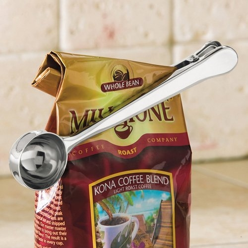 Coffee Measuring Spoon With Clamp - Coffee spoon that doubles as a bag clip to keep coffee fresh