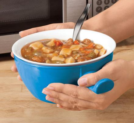 This Cool Touch Bowl Lets You Actually Touch It After Microwaving