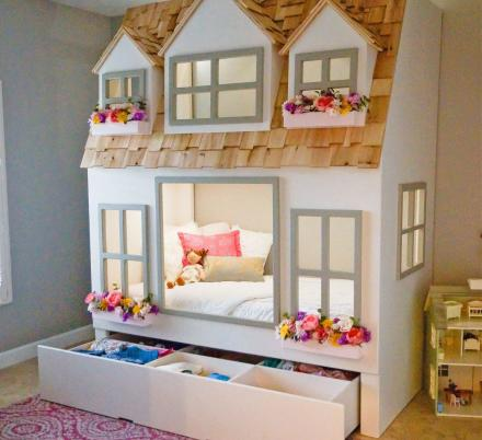 You Can Now Get a Giant Doll House Kids Bunk Bed and It Might Be The Cutest Thing Ever
