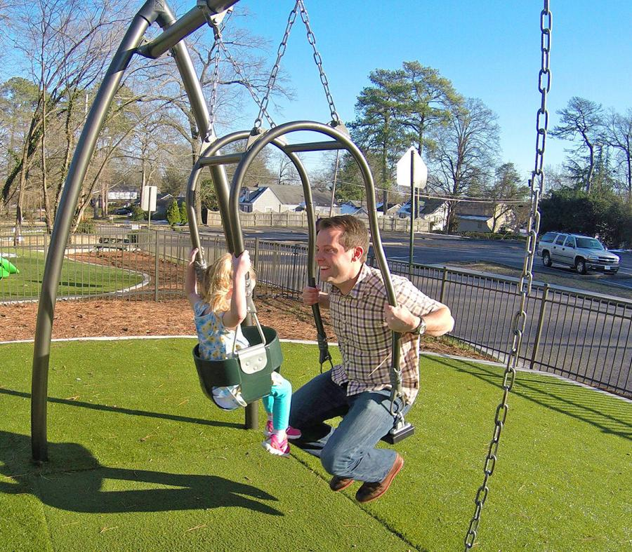 Expression Swing Lets You Swing With Your Child Eye To Eye
