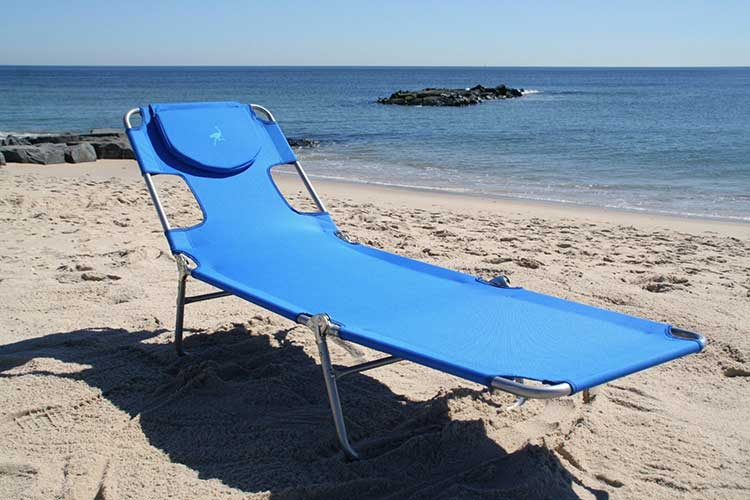 Face Down Lounge Chair Lets You Read Comfortably On Your