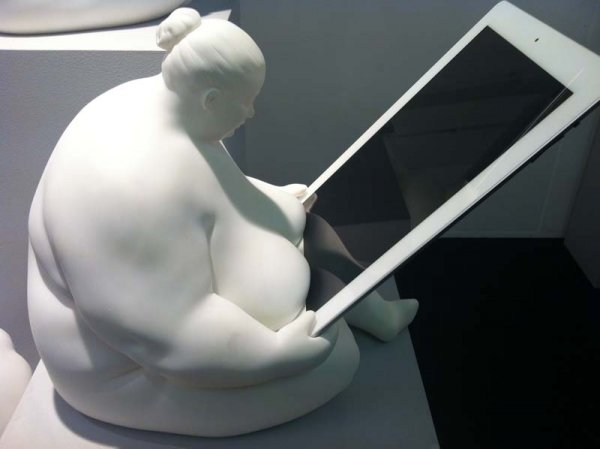 Fat Naked Lady iPad Dock 4