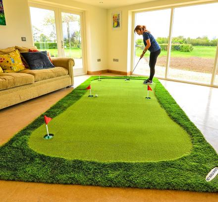 This Ultimate Home Putting Green Measures a Massive 13.1 Feet Long
