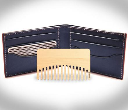 Go-Comb is a Comb That Fits In Your Wallet