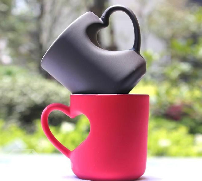 heart shaped handle coffee mug