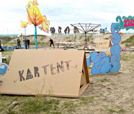 KarTent: A Temporary Cardboard Tent That's Great For Music Festivals