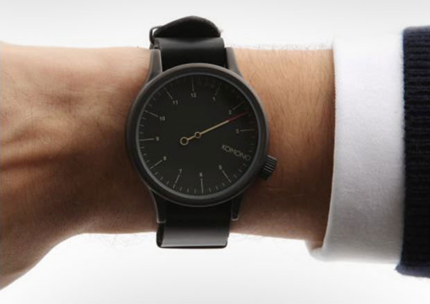 Komono The One Handed Watch