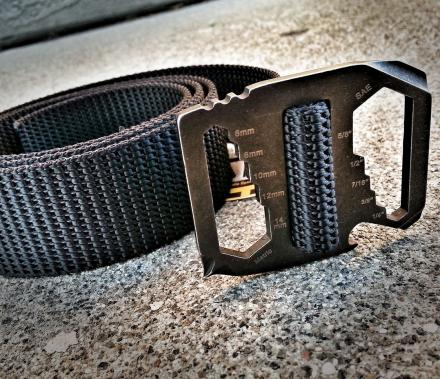 Kool Tool Belt: A Belt Buckle With Tools On It