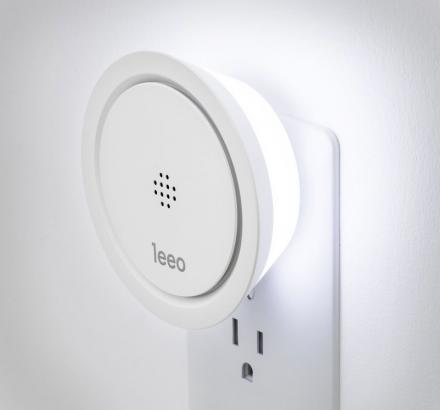 Leeo Smart Alarm Listens For Alarms and Notifies You