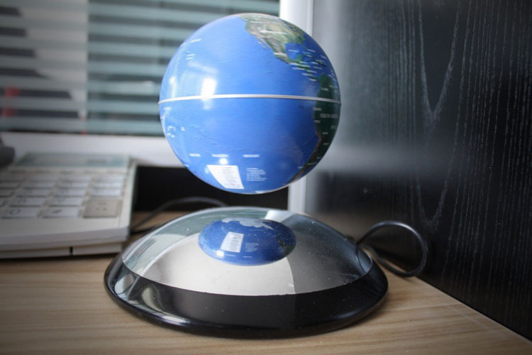 Magnetic Hovering Globe