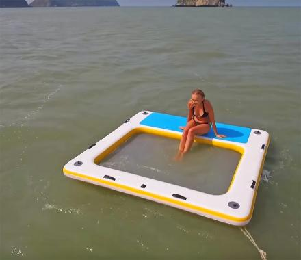 Lounge Raft Deck: A 4-Person Floating Wet Lounge
