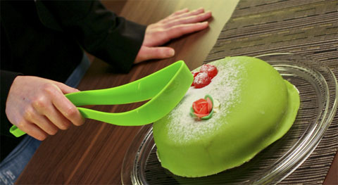 Magisso Cake Server - Just Squeeze and Serve