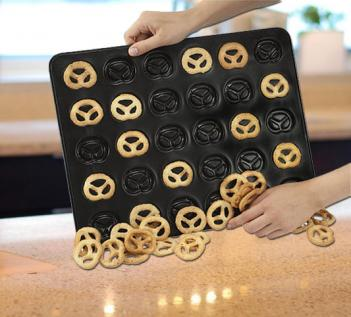 Mini Pretzel Baking Pan