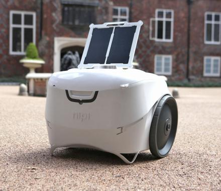 Nipi Smart Cooler And Solar Generator