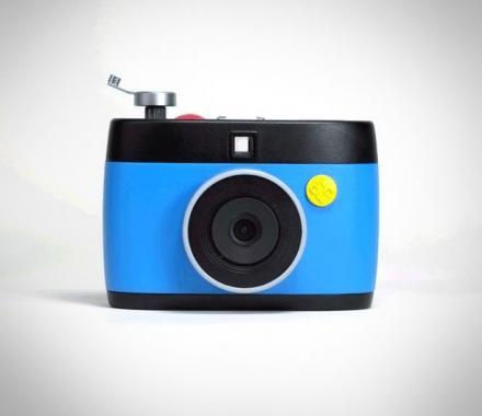 OTTO: A Digital Camera That Records GIFs