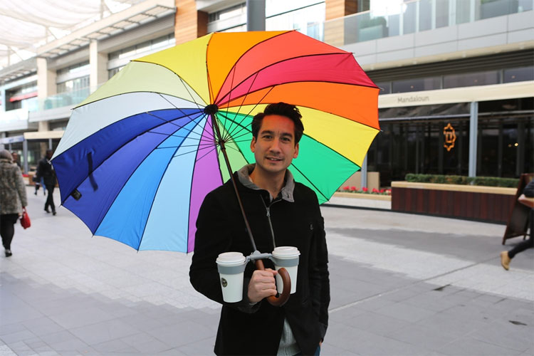 Pivoting Umbrella Drink Holder