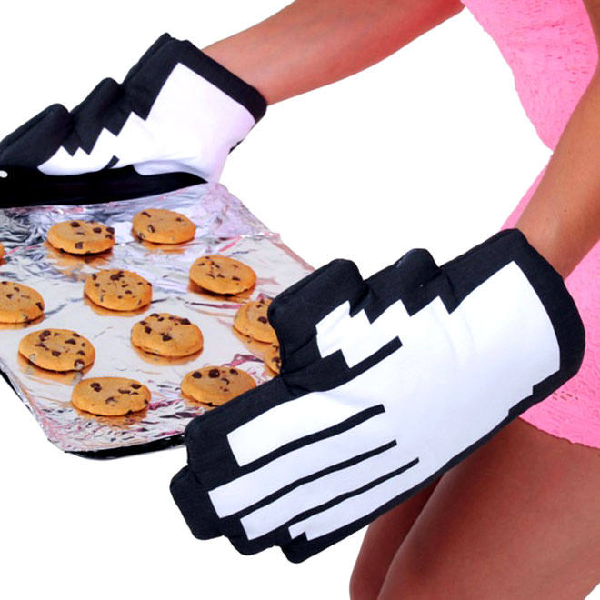 Pixelated Oven Mitts 2