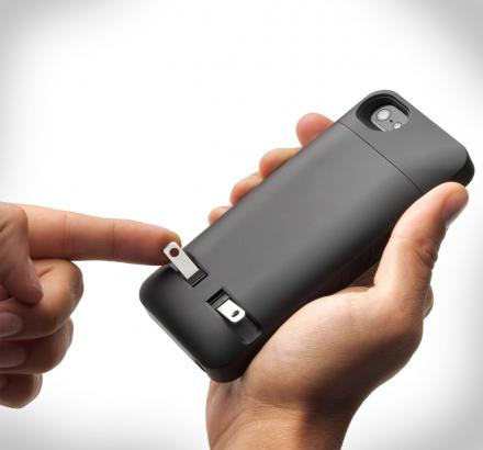 PocketPlug: iPhone Case With Wall Plug