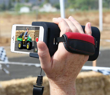 PoiseCam Lets You Hold Your iPhone Like a Camcorder