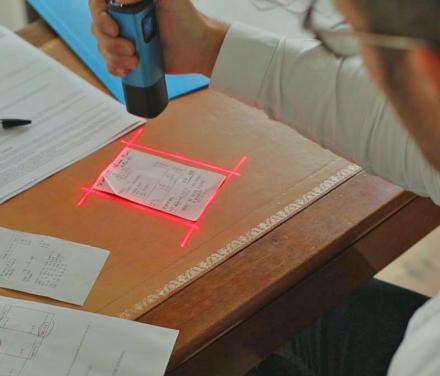Pup Smart Scanner: A Quick/Tiny Scanner, Outlines What You're Scanning With Lasers