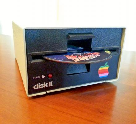 Retro Apple Floppy Drive Made Into a Working Blu-Ray Drive