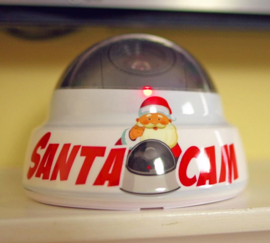 Santa Cam A Fake Camera Prop To Keep Kids On Their Best