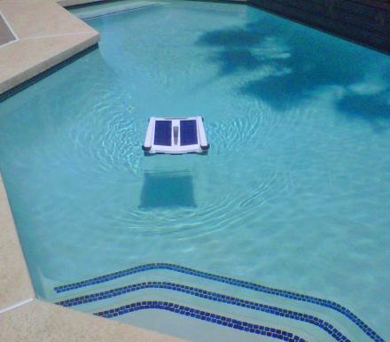 Solar Breeze Solar Powered Robotic Pool Skimmer