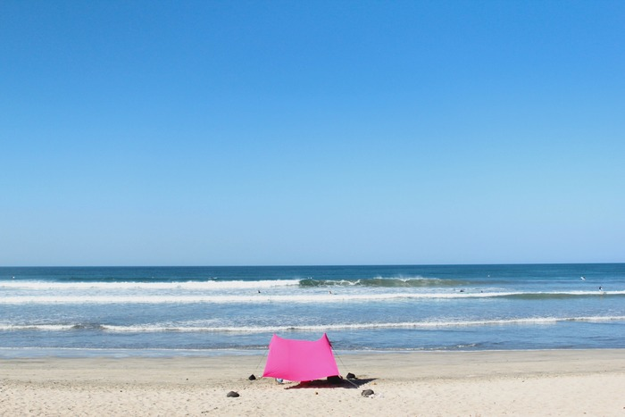 Stake-less beach sunshade