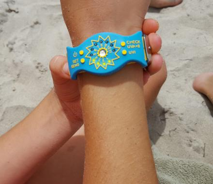 This Sun Monitor Bracelet Detects Your UV Intake, Notifies You When You've Had Too Much Sun