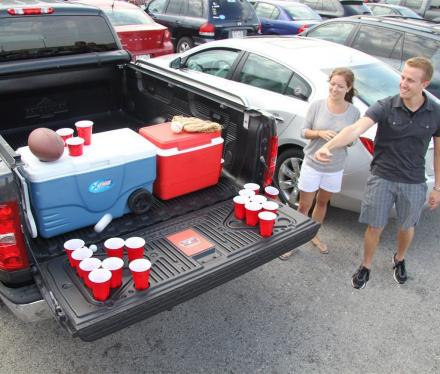 Tailgate Pong Installs Onto Your Truck's Tailgate for Outdoor Beer Pong