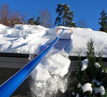 The Avalanche Is a Tool To Easily Remove The Snow From Your Roof