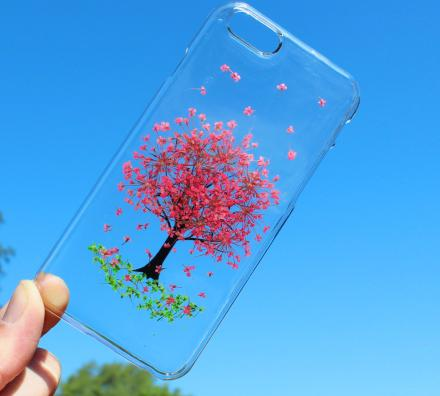 These iPhone Cases Are Made From Real Pressed Flowers
