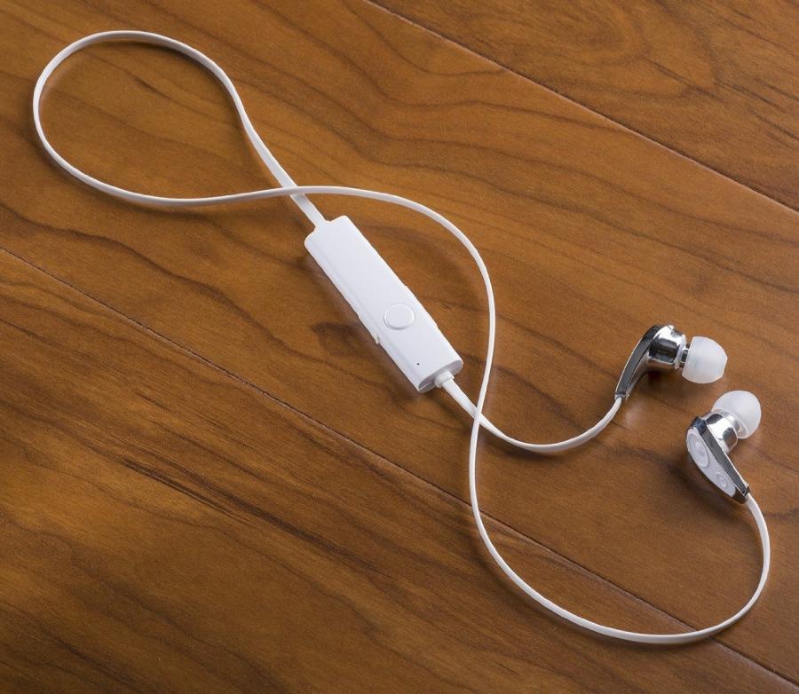 How do I hook up wireless blue tooth headphones to vizio smart tv