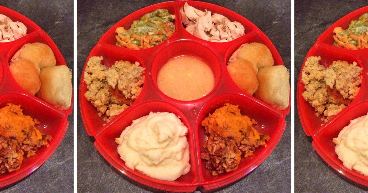 This 7 Section Divided Plate Makes For The Perfect Thanksgiving Dinner Plate