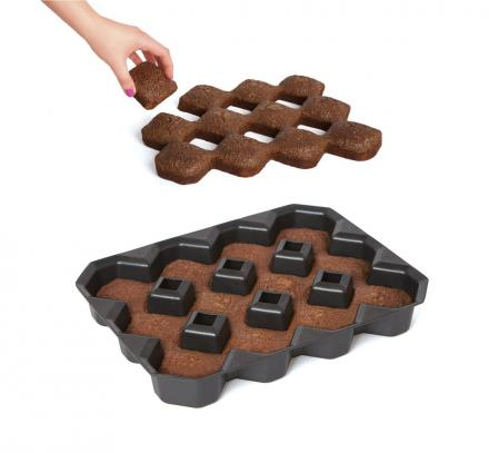 This Brownie Pan Makes Diamond Shaped Brownies So Every Piece Is An Edge