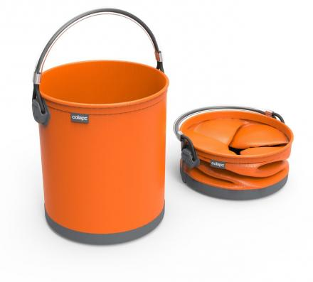 This Collapsible Water Bucket Folds Down For Easy Storage