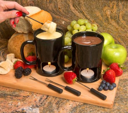 This Fondue Mug Has a Candle That Heats Up Your Cheese