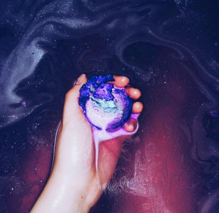 galaxy bath bomb makes your bath water look like outer space. Black Bedroom Furniture Sets. Home Design Ideas