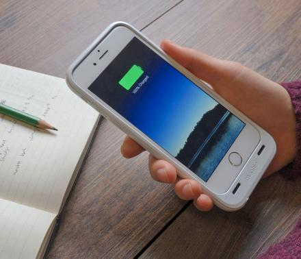 ThinCharge iPhone Battery Case Keeps Your Phone Charging All Day With No Extra Bulk