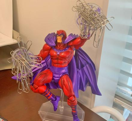 This Magneto Paperclip Holder Deserves a Spot On Every X-Men Geeks Desk
