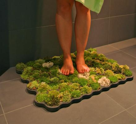 This Moss Bath Mat Lets You Step Onto Natural Moss Every-time You Exit The Shower