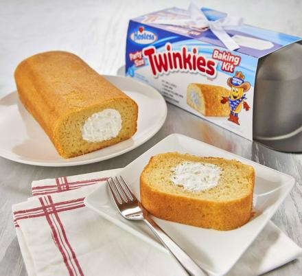 This Pan Lets You Bake Your Own Giant Twinkie