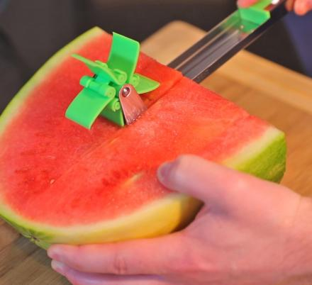 This Rotating Watermelon Slicer Cuts Perfectly Cubed Watermelon Slices