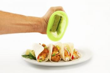 3 In 1 Citrus Pod Kitchen Tool